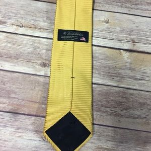 Brooks brothers yellow gold tie